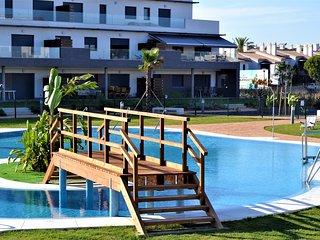 Apartamento 3 dormitorios, a/a, wifi, piscina, padel