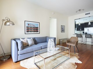 Airy 2BR in Uptown by Sonder
