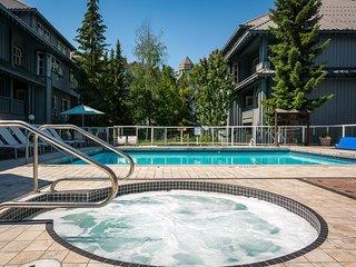 Deluxe Ski-In Suite | Pool, 2 Hot Tubs, Ski Valet + Bike Storage