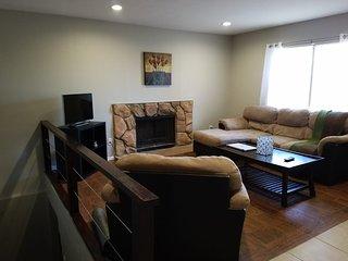 3 bedroom 2 bath home, great neighborhood in Mission Viejo, 2000sqf and backyard