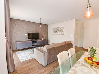 Calypso Royal Apartment 4+2 - in luxury villa, quiet neighbourhood of Zadar