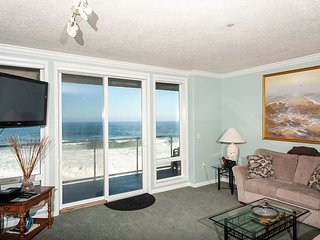 The Whaler's Suite - Second Floor Oceanfront Condo, Hot Tub, Pool, Wifi & More