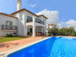Luxury 4 bedroom Villa 37 with pool on a golf course in a gated community