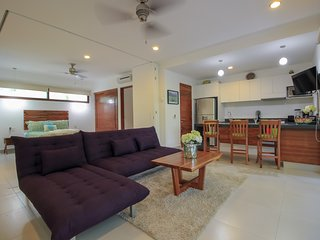 Exclusive Loft in Gated Community with Private Terrace & Pool Facilities by olah