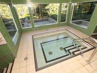 Ski-to Door Apartment Near Whistler with Pool + Hot Tub Access
