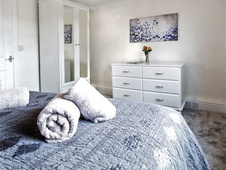 BEAUTIFUL 2 bed apartment in HISTORIC ALCESTER near STRATFORD-UPON-AVON Sleeps 4