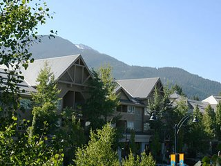 Condo for 4 with Air-Conditioning In the Heart of Whistler Village!