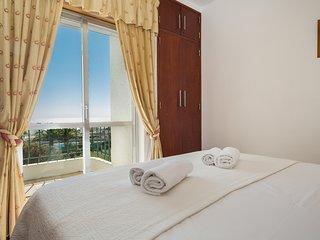 Seaview Apartment H