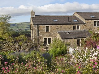 G0163 Cottage situated in Leyburn
