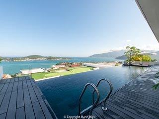 Casa Blanca Villas - Ocean Infinity Pool & Gadern( 5 room Ocean & Garden veiw)