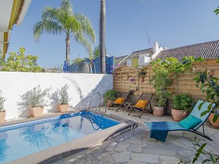 MB-Spacious townhouse with private pool