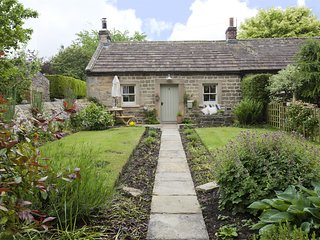G0121 Cottage situated in Whorlton