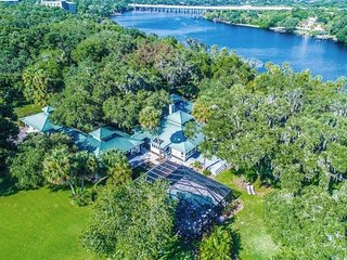 Riverbend Retreat - Fla.