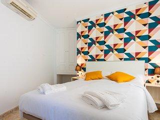 Habitacion en la famosa calle Pintada 105 cama matrimonial, bano privado y patio