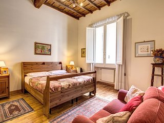 TREVI FOUNTAIN'S GORGEOUS ACCOMODATION UP TO 6 PEOPLE