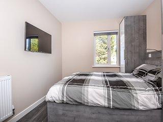 Apartment 8 (1 Bed) - Great for Ascot/Windsor, Legoland, Thorpe Park, Heathrow