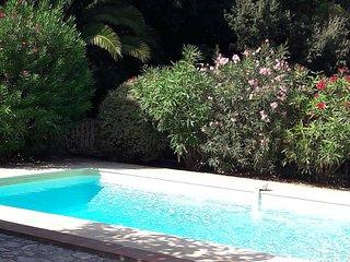 Ancienne Bergerie de charme avec piscine dans la campagne de Sanary