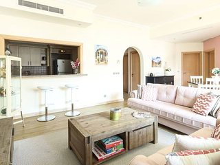 Amazing and Spacious 2BR on the Palm!