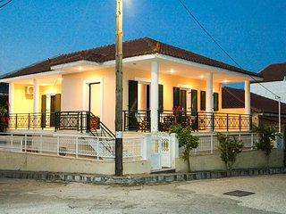 Kefalonia, Lixouri Family Friendly House & Parking
