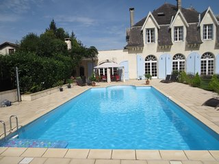 French Country Chateau to rent 45 mins Biarritz