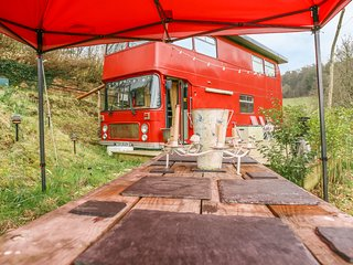 The Red Bus - Winter retreat, Newnham-On-Severn
