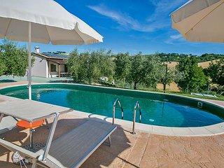DH VILLAS Villa Rosa, piscina,aria condizionata,animali ammessi, Regione Marche.