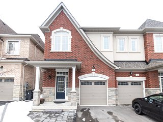 NEWLY BUILT 4 BEDROOM HOME IN TORONTO