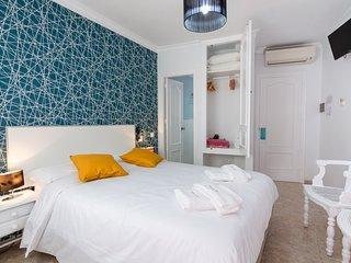 Habitacion en la famosa calle Pintada 204 cama de matrimonio con bano privado