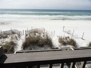 Sticks in the Sand 1B Quaint Oceanfront 1BR ON THE BEACH Sleeps 2-5