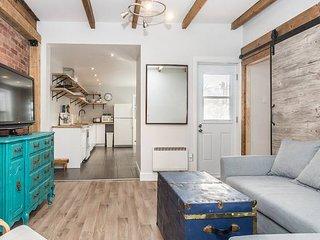 Cozy & Modern 2 bedroom classic MTL duplex apt