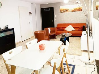 Tres bel appartement T2 a LYON avec terrasse piscine et parking prive