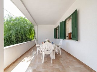 3 bedroom Villa with Walk to Beach & Shops - 5343865