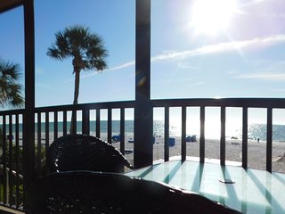 MAY SPECIAL DIRECT OCEAN 3BD 2BH spiral stairs down to heated pool and hot tub