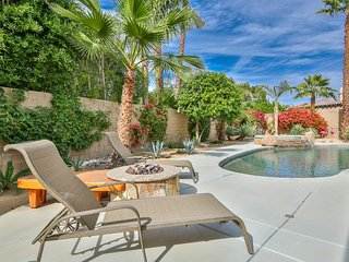 Exquisite Home w/ Private Heated Outdoor Pool & Spa, Outdoor Kitchen & More!