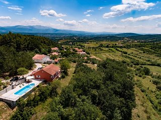 Cvitkovici Holiday Home Sleeps 6 with Pool and Air Con - 5776303
