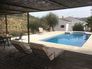 Country house with pool & terrace in lovely rural setting among olive groves