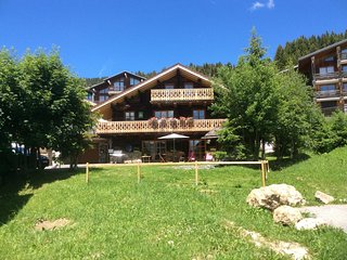 location chalet de montagne station de ski et de randonnee des saisies france