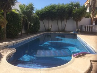 B19 2 Bed Neptuno Private Pool near Commercial Centre