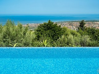 Macchia di Giarre Villa Sleeps 6 with Pool and WiFi - 5488201