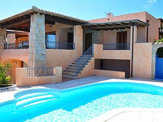 San Teodoro Holiday Home Sleeps 14 with Pool and Air Con - 5775553