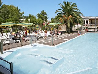 Palude Mezzane Holiday Home Sleeps 4 with Pool Air Con and Free WiFi - 5775586