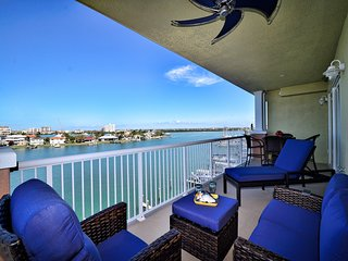 Sandpiper's Cove 501 Sandpiper's Cove Luxury Waterfront 3 Bedroom 2 Bathroom