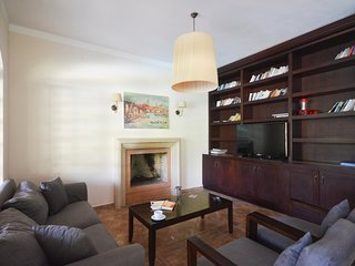 Bitez Villa Sleeps 8 with Pool and Air Con - 5775101