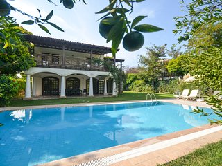 4 bedroom Villa with Pool, Air Con and WiFi - 5775101