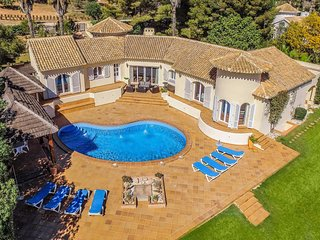 5 bed signature villa located next to golf course