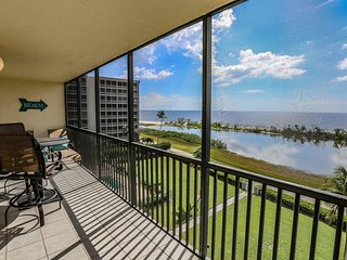 2 bedroom, 2 full bath direct beachfront condo across from Santini Plaza