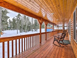 NEW! Duck Creek Village Cabin Near Top Attractions