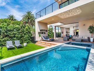 Veeve - Beautiful Villa by Melrose Avenue