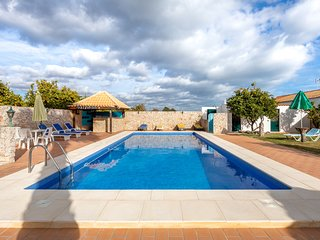 Country Villa, Pool With Cabana, BBQ, WiFi, Only 7kms to Historic Tavira Centre.