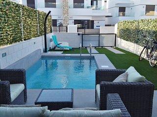 Luxury Villa with Heated Pool Villamartin/La Zenia